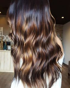 Balayage High Lights To Copy Today - High Contrast - Simple, Cute, And Easy Ideas For Blonde Highlights, Dark Brown Hair, Curles, Waves, Brunettes, Natural Looks And Ombre Cuts. These Haircuts Can Be Done DIY Or At Salons. Don't Miss These Hairstyles! - https://thegoddess.com/balayage-high-lights-to-copy