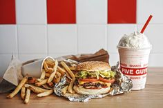 American Burger Joint FIVES GUYS will be serving up our all-time favourite, Peanut Butter & Bacon Milkshake, at Plaza Singapura in Best Keto Fast Food, Keto Fast Food Options, Five Guy Burgers, Burger And Fries, Shack Burger, American Burgers, Veggie Sandwich, Five Guys, Food Places