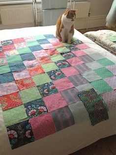 I adore the colours in this quilt. Stunning!