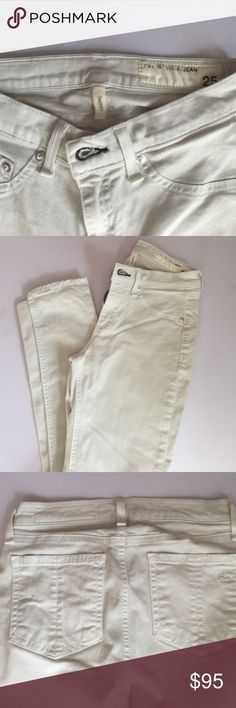 Rag & Bone Legging Jean Like New. I bought them and now they don't fit. 96% cotton 4% rocia. Very very light grey almost white. rag & bone Jeans Skinny