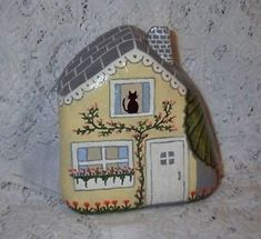 Rock Painting~ Yellow Rock Fairy Houses by millicent Stone Crafts, Rock Crafts, Diy And Crafts, Arts And Crafts, Pebble Painting, Pebble Art, Stone Painting, Rock Painting Designs, Painting Patterns