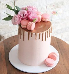 This pretty little pastel pink and rose gold drip cake was for a lovely ladies birthday this weekend 💕 . 60th Birthday Cake For Ladies, Birthday Cake For Women Simple, Birthday Cake Roses, 15th Birthday Cakes, 30th Cake, 40th Birthday, Bolo Drip Cake, Drip Cakes, Mom Cake