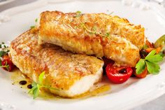 Baked cod fillets, a simple and easy recipe. Baked Cod Fillets, Fish Chowder, Cooking Recipes, Healthy Recipes, Healthy Food, Fish And Chips, Fish And Seafood, Fish Recipes, Good Food