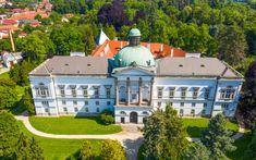 9 nejkrásnějších zámků a zámečků na Slovensku - Blog | TRAVELKING Marie Antoinette, Mansions, House Styles, Blog, Home Decor, Luxury Houses, Interior Design, Home Interior Design, Palaces