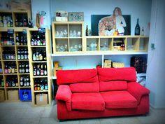 La domadora y el león, Cervezas artesanas, Craft beer store en Frigiliana, Andalucía