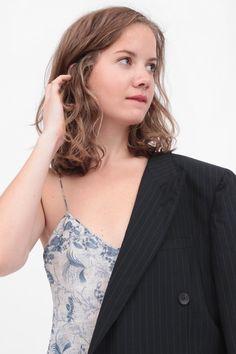 Редактор светской хроники журнала Tatler Маша Лимонова  о любимых нарядах. Изображение № 19.