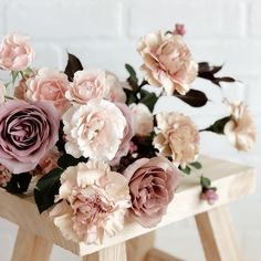 Must See Hottest Mauve Wedding Decorations for Your Upcoming Day-blush mauve ponies roses floral wedding decorations Blush Wedding Cakes, Mauve Wedding, Blush Wedding Flowers, Blush Roses, Rose Wedding, Wedding Colors, Wedding Bouquets, Lavender Weddings, Floral Wedding Decorations