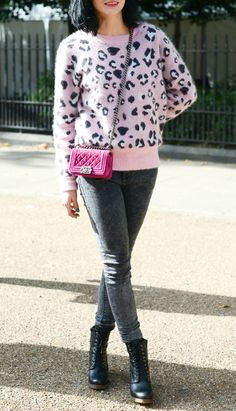 Street Style Snaps: Pink Knits
