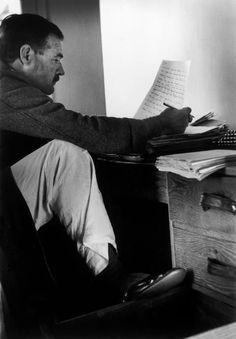 karamazove:  Sun Valley, Idaho, USA. American writer Ernest Hemingway by Robert Capa, (1940)
