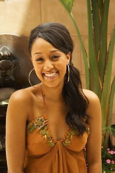 Tia - Tia and Tamera Mowry Photo - Fanpop African American Girl, American Girls, Britney Spears 2000, Tia And Tamera Mowry, Exotic Women, Ebony Beauty, Swag Style, Celebs, Celebrities