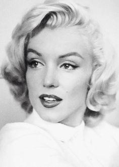 Marilyn Monroe photographed by John Vachon, 1953.
