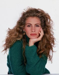 Julia Roberts  1989: example of timeless beauty