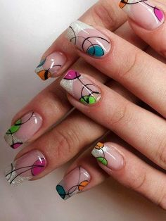 Francesa y círculos, nail art