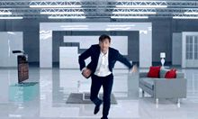 A must see gif set for Tennant fans.<<<< A must-see gif for everyone!