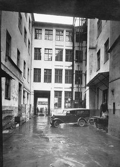 Hinterhof des Hauses Rosenthaler Straße 39, Berlin, 1940er Jahre. Quelle: MBOW