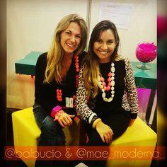 Meninas convido a conhecer os acessórios da @balbucio que são de silicone e além de deixar um ar moderno com cores lindíssimas seus filhos podem morder e puxar a vontade! Tem a linha adulto e infantil e fiquei apaixonada por todos!!! #MaeModerna #fashionmather #MaesFashions #fashionbaby #MaesCariocas #CariocaBaby #RiodeJaneiro #errejota #RioCentro #gestante #gravidas #moda #acessórios #empreendedorismomaterno #MaesEmpreendedoras #CariocasEmpreendedoras #cariocas by mae_moderna_