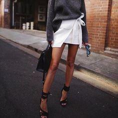 @andicsinger ✔via @yeah_streetstyle_fashion ✔ # amazingphoto #instagood #happy #luxury #beautiful Para o link de compras na minha bio