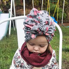 •IMPORTANT• current Processing time: 6-7 days (from order to ship). Items in our shop are made to order so they are not ready to ship immediately. This handmade hat is made from a soft, stretchy jersey fabric. >>> Sizes<<< Baby Turban Hat stretches up to 1.5 comfortably (up to 1/4