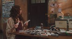 Love and other Drugs - anne-hathaway Screencap