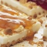 Γιαουρτογλυκό με μπισκότα και μαρμελάδα ή μέλι Fridge Cake, Party Buffet, Sweet Pie, Greek Recipes, Tart, Cheesecake, Food And Drink, Pudding, Sweets