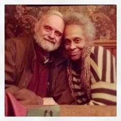 Old love couple Interracial Family, Interracial Dating Sites, Interracial Marriage, Interacial Love, Interacial Couples, Mixed Couples, Couples In Love, Older Couples, Beautiful Love