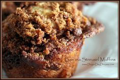 Banana Streusel Muffins    Made them, they are yummy!  www.daytodaydreams.com