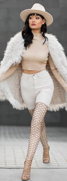 Nudes + neutrals kinda day / Fashion By Micah Gianneli