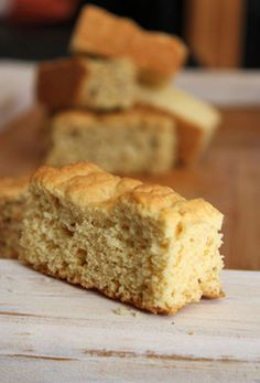 WINTER: Beskuit en boeretroos « jouwêreld e-tydskrif South African Dishes, South African Recipes, Buttermilk Rusks, Rusk Recipe, Snack Recipes, Dessert Recipes, Bread Recipes, Dessert Ideas, Desserts