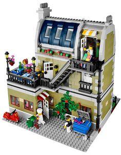 LEGO Restaurante Parisiense com 3 Andares e 2.400 Peças