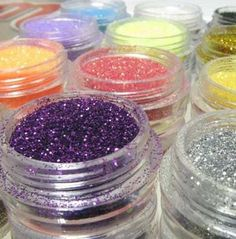 Good quality for professional and home useMicro Glitter Powder in 24 different colours:12 shinny colours+ 12 metal colours Suitable for nail art decoration with nail polish UV builder gel etc....