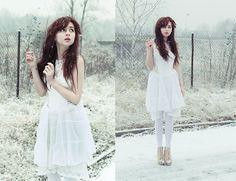 Snowflake fell and it felt like a kiss (by Magdalena M) http://lookbook.nu/look/2820901-Snowflake-fell-and-it-felt-like-a-kiss