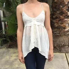 Light cotton tunic Lightweight cotton tunic top with eyelet details. Button up front. Perfect for the summer! H&M Tops Tank Tops