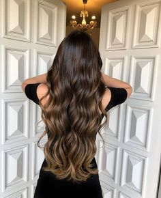 Long Wavy Ash-Brown Balayage - 20 Light Brown Hair Color Ideas for Your New Look - The Trending Hairstyle Brown Hair Balayage, Brown Ombre Hair, Brown Hair With Highlights, Light Brown Hair, Brown Hair Colors, Cabelo Ombre Hair, Brown Hair Trends, Brunette Hair, Hair Looks