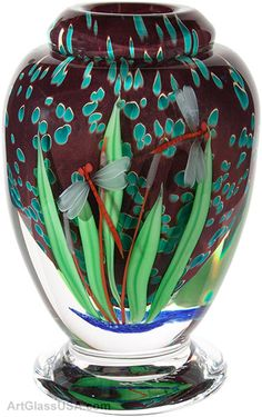 A great piece to build a room around.  Dragonfly vase by Mayauel Ward. @designerwallace
