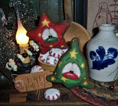 Primitive Vtg Patti's Ratties Gingerbread Christmas Star Bell Ornament Bear Doll