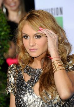 Paulina Rubio Famous Mexican, Pop Singers, Look Alike, Celebs, Celebrities, My Crush, Scarlett Johansson, Celebrity Pictures, Picture Photo