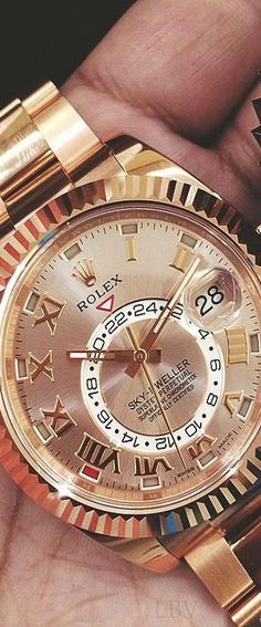 Rolex style: New all rose gold Rolex Skydweller | LBV ♥✤