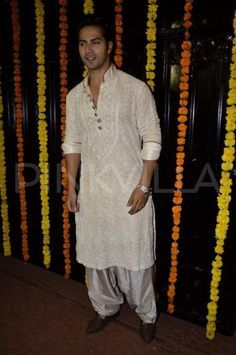 B-town celebs grace Ekta Kapoor's Diwali bash Mens Indian Wear, Mens Ethnic Wear, Indian Groom Wear, Indian Men Fashion, Wedding Dresses Men Indian, Wedding Dress Men, Indian Weddings, Wedding Wear, Lucknowi Kurta