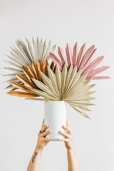 Create simple centerpieces for your DIY boho wedding decor with affordable dried sun palms from Afloral.com. #neutral #diywedding #bohowedding Cylinder Vase Centerpieces, Vase Arrangements, Floral Centerpieces, Vases Decor, Simple Wedding Decorations, Diy Wedding Flowers, Faux Flowers, Dried Flowers, Palm Wedding
