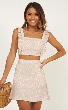 Chic and casual outfits 2019 charming, spring summer outfits ideas nice gorgeous teen fashion outfits Cute Summer Outfits, Cute Casual Outfits, Spring Outfits, Casual Dresses, Dresses For Work, Elegant Dresses, Sexy Dresses, Summer Dresses, Backless Dresses