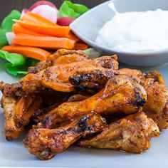 Baked Buffalo Chicken Wings with Chicken Wings, Franks Wings Sauce, Butter, Salt, Pepper. Baked Chicken Wings Buffalo, Buffalo Chicken Recipes, Chicken Wings Spicy, Chicken Wing Recipes, Buffalo Wings, Taco Chicken, Appetizer Recipes, Appetizers, Cooking Recipes