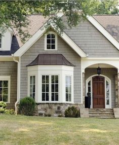 Bay window design ideas exterior bay window trim exterior best bay window exterior ideas on a Bay Window Exterior, House Paint Exterior, Exterior House Colors, Exterior Design, Siding Colors For Houses, Exterior Shutters, Exterior Paint Colors For House With Stone, Exterior Trim, Modern Exterior