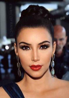 Kim Kardashian makeup. Love the red lips