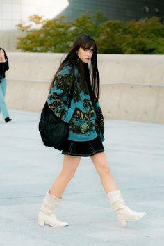 Korean Street Fashion Urban Chic, Asian Street Style, Japanese Street Fashion, Urban Fashion, Street Style Women, Tokyo Street Fashion, Seoul Fashion, China Fashion, Fashion Week