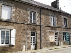3 Bedroom House for sale For Sale in Mayenne, FRANCE - Property Ref: 701976 - Image 1
