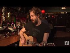 ▶ Phosphorescent Covers Willie Nelson - YouTube