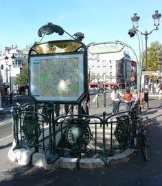Paris, Métropolitain, Entrée de la station Pigalle, arch. Hector Guimard