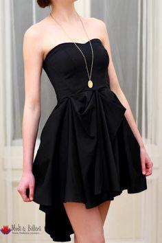 Vestido negro elegante. es esencial para eventos como una graduación, boda y fiestas de gala, asegúrate de siempre tener uno en tu armario para esos momentos especiales- Buscar con Google