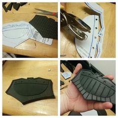 On to the belt buckle. #cosplay #cosplayprop #foam #craftfoam #dredd