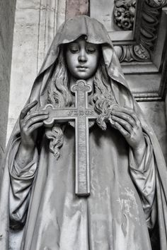 'FIDES'(faith)Monumental Cemetery of Staglieno, Staglieno, Province of Genoa ,Italy . Cemetery Angels, Cemetery Statues, Cemetery Art, Religious Tattoos, Religious Art, Religion, Art Reference, Fine Art, Drawings